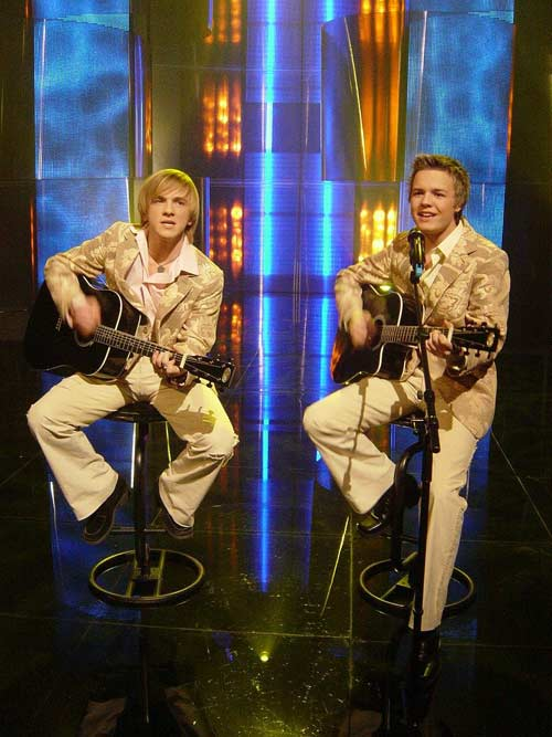 Walters and kazha is a latvian duo who represented their homeland in the 2005 eurovision song contest