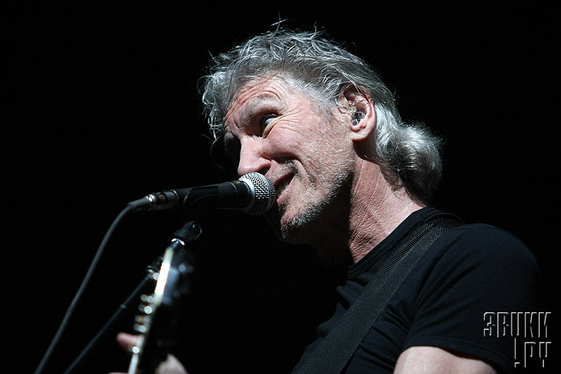 Roger Waters with WALL tour