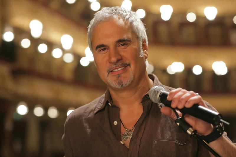 Валерий Меладзе призвал артистов бойкотировать новогодние огоньки