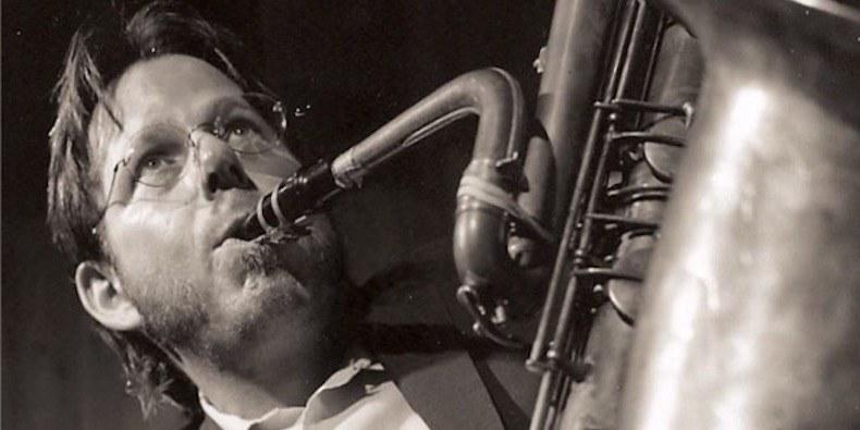 Умер автор музыки к«Коню БоДжеку» исаксофонист Тома Уэйтса